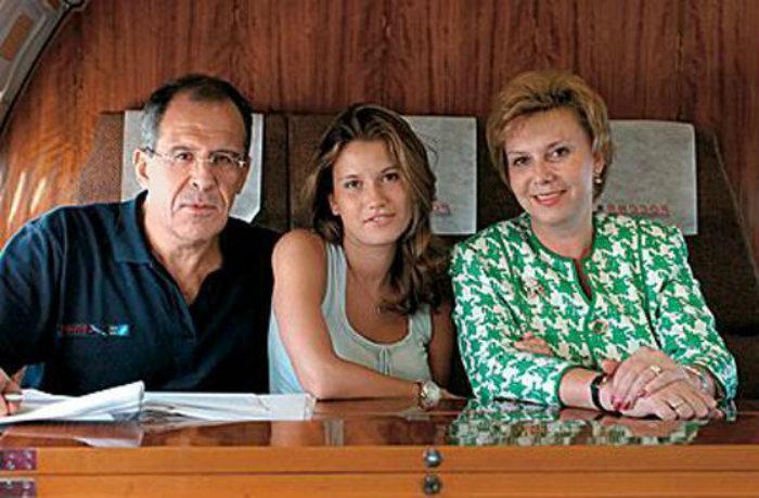 А вы видели жену Сергея Лаврова? Только взгляните на неё!
